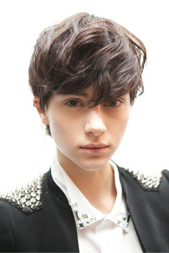 35 Androgynous Gay And Lesbian Haircuts With Modern Edge With Recent Androgynous Pixie Haircuts (View 8 of 25)