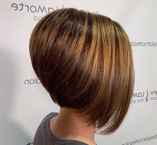36 Gorgeous Inverted Bob Haircuts Within Graduated Angled Bob Hairstyles (View 24 of 25)
