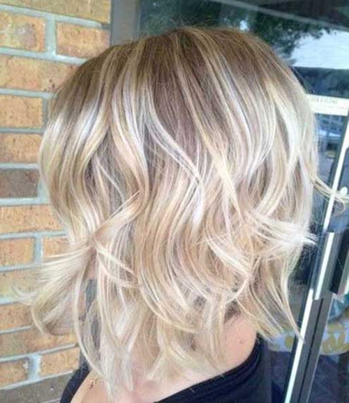 40 Beachy Waves Short Hair Pertaining To Beach Wave Bob Hairstyles With Highlights (View 11 of 25)