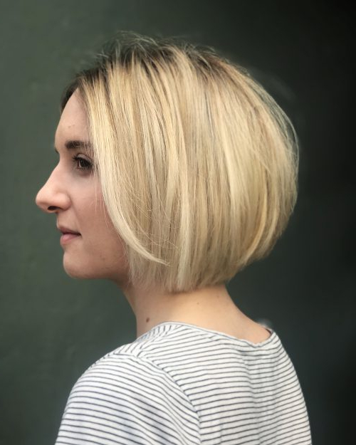 41 Flattering Short Hairstyles For Long Faces In 2020 for Ear Length French Bob Hairstyles