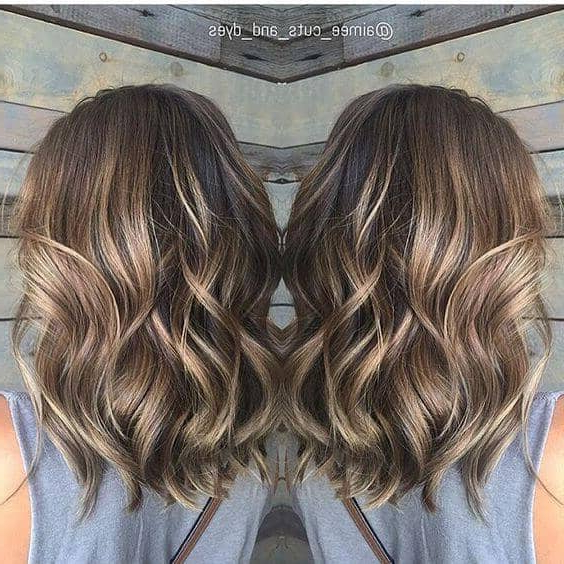 50 Pretty Chic Medium Lenght Hairstyles For 2020 With Regard To Mid Length Beach Waves Hairstyles (View 18 of 25)