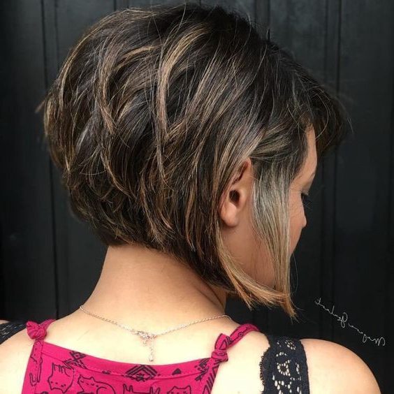 7 Stacked Hairstyles For Women With Round Faces And Short Throughout Short Feathered Bob Crop Hairstyles (View 21 of 25)