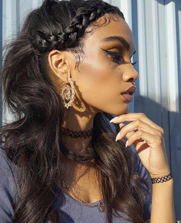 90 Glamorous Side Braids To Try Out This Season Throughout Most Up To Date Headband Braid Hairstyles With Long Waves (View 19 of 25)