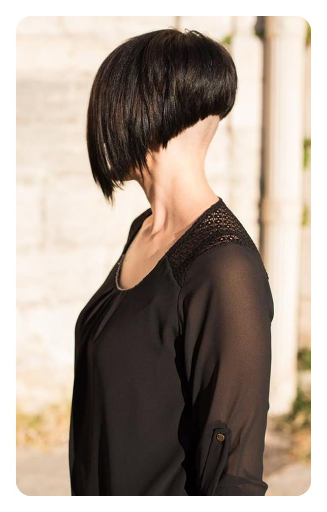 92 Layered Inverted Bob Hairstyles That You Should Try With Regard To Super Short Inverted Bob Hairstyles (View 21 of 25)