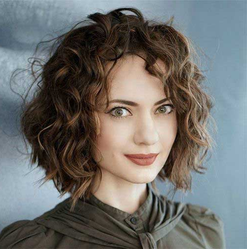 Curly Bob Hairstyles For Chic Women | Short-Haircut in Cute Short Curly Bob Hairstyles