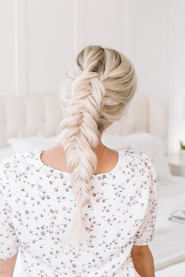 Fishtail Braid: Best Ways To Make A Fishtail Braid Pertaining To Current Ponytail Fishtail Braid Hairstyles (View 19 of 25)