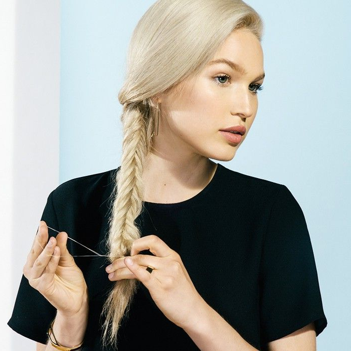 How To Make A Fishtail Braid In A Few Easy Steps Inside Best And Newest Fishtail Side Braid Hairstyles (View 22 of 25)