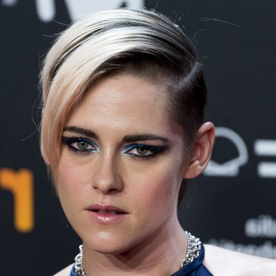 Kristen Stewart's Best Short Hair Looks — Short Hairstyle Throughout Best And Newest Side Part Voluminous Braid Hairstyles (View 18 of 25)
