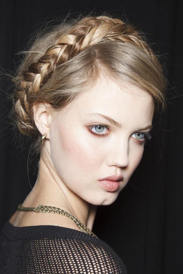 Milkmaid Braids / Crown Braids Hairstyles Inside Current Milkmaid Crown Braids Hairstyles (View 18 of 25)