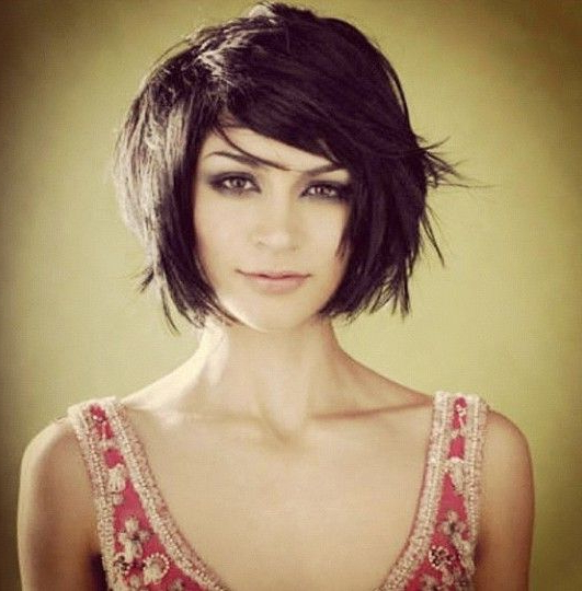 Razor Bob With Side Swept Bangs | Hair Stuff | Short Intended For Newest Razor Haircuts With Long Bangs (View 23 of 25)