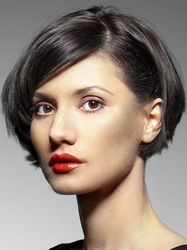 Seductive Hairstyle Ideas For 2019 To Capture Your Husband With Ear Length French Bob Hairstyles (View 3 of 25)