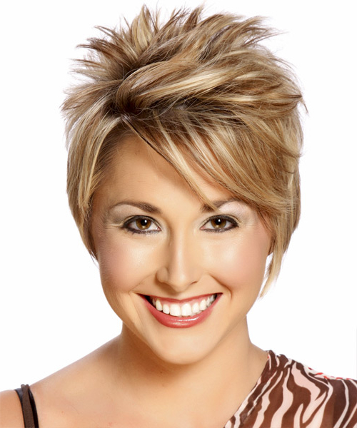 Short Straight Caramel Blonde Hairstyle With Side Swept For Most Popular Short Side Swept Pixie Haircuts With Caramel Highlights (View 24 of 25)