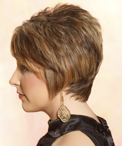 Short Straight Caramel Brunette Hairstyle With Side Swept Pertaining To Most Up To Date Short Side Swept Pixie Haircuts With Caramel Highlights (View 9 of 25)