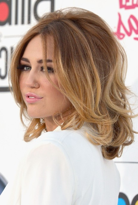 Side View Of Miley Cyrus Medium Ombre Hair: Voluminous Bob Inside Voluminous Bob Hairstyles (View 22 of 25)