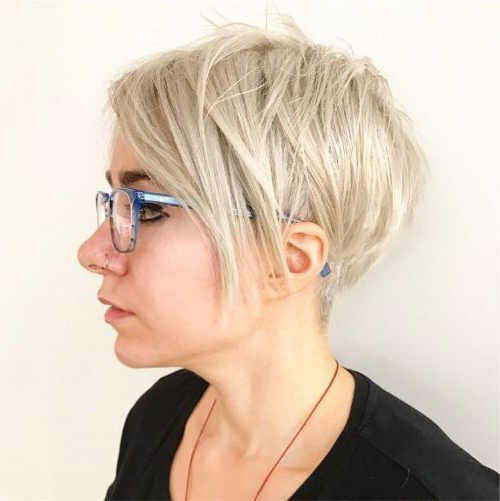 The 40 Best Short Hairstyles For Fine Hair ? Palau Oceans Throughout Short Feathered Bob Crop Hairstyles (View 25 of 25)