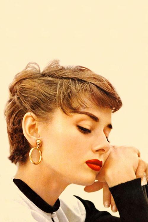 Vintage Hairstyle : Audrey Hepburn – Vintage (View 23 of 25)