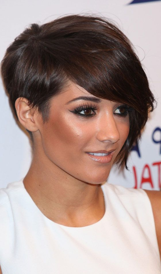 40 Chic Feathered Hairstyles For Short, Medium, And Long In Newest Asymmetrical Feathered Bangs Hairstyles With Short Hair (View 8 of 25)