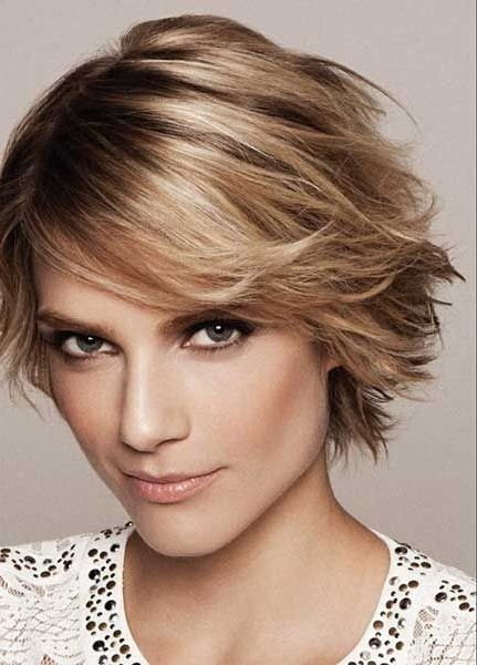 Best Feather Cut Hairstyles & Haircuts For Short, Medium And In Current Asymmetrical Feathered Bangs Hairstyles With Short Hair (View 15 of 25)