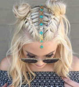 30 Boho And Hippie Hairstyles For Chill Vibes All Year Long Intended For Recent Hippie Braid Headband Hairstyles (View 22 of 25)