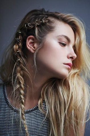 30 Boho And Hippie Hairstyles For Chill Vibes All Year Long Throughout Latest Hippie Braid Headband Hairstyles (View 18 of 25)