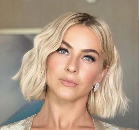 20 Modern Ways To Style A Long Bob With Bangs In 2020 Pertaining To Lob Hairstyles With A Face Framing Fringe (View 5 of 25)