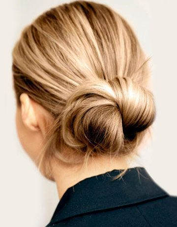 A New Dose Of Messy Bun Hair Inspiration | Sand Sun With Regard To Short Sun Kissed Hairstyles (View 25 of 25)