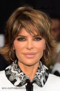 Dimensional Brown Shag – 30 Spectacular Lisa Rinna Pertaining To Layered Dimensional Hairstyles (View 14 of 25)