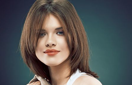 How To Cut Face Framing Layers Yourself Throughout Full Fringe And Face Framing Layers Hairstyles (View 3 of 25)