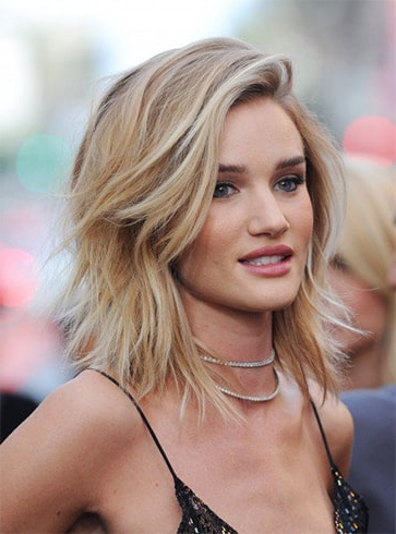 Latest Layered Hairstyles 2019 To Try Immediately Throughout Lob Hairstyles With A Face Framing Fringe (View 16 of 25)
