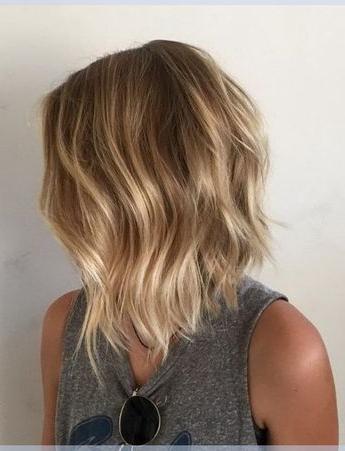 Layered Bob Frisuren Ideen Mit Honig Blonde Balayage Throughout Cinnamon Balayage Bob Hairstyles (View 16 of 25)