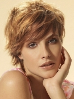 Layered Hairstyles For Your Face Shape Within A Shape Framed Haircuts (View 12 of 25)