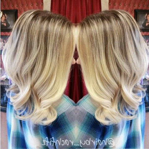 Long Bob With Face Framing Balayage Ombre Highlights Intended For Beachy Waves Hairstyles With Balayage Ombre (View 10 of 25)