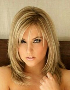 Pin On Capelli Pertaining To Chin Length Bangs And Face Framing Layers Hairstyles (View 9 of 25)