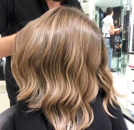 Really Like This Hairstyle #Caramelblondebalayage Regarding Caramel Blonde Balayage On Inverted Lob Hairstyles (View 2 of 25)