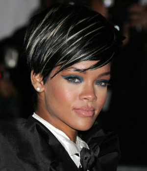 Short Bob Hairstyles: Highlights For Jet Black Hair Inside Black Hairstyles With Brown Highlights (View 24 of 25)