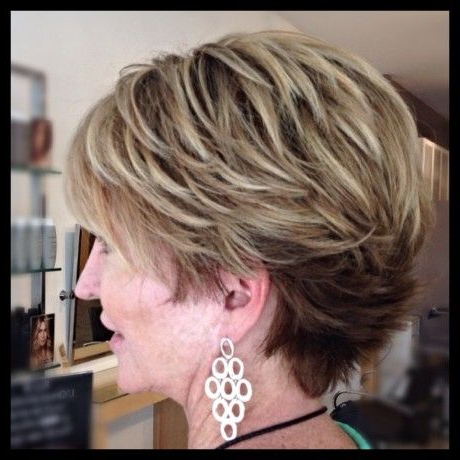Stoning Short Hair And Balayage Highlights On Dark Blonde Within Shaggy Bob Hairstyles With Blonde Balayage (View 17 of 25)