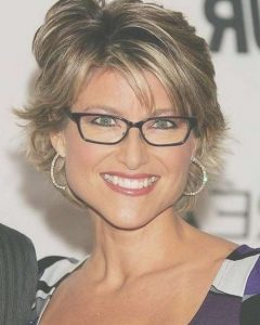 Medium Hairstyles For Women Who Wear Glasses