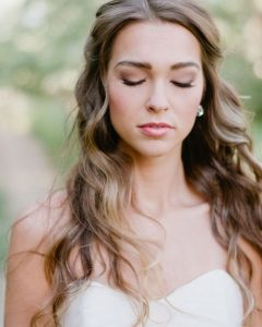 Relaxed And Regal Hairstyles For Wedding