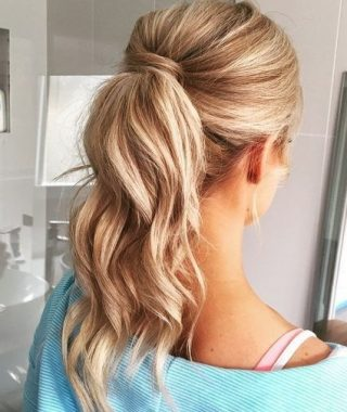 Wavy Free-Flowing Messy Ponytail Hairstyles