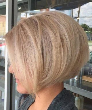 Classy Slanted Blonde Bob Hairstyles