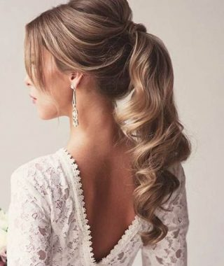 Fancy Flowing Ponytail Hairstyles For Wedding