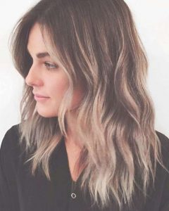 Medium Hairstyles That Frame The Face