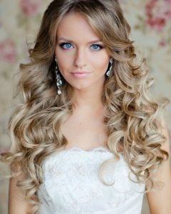 Fabulous Cascade Of Loose Curls Bridal Hairstyles