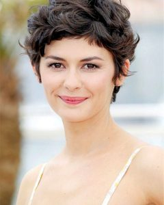 Short Haircuts For Women Curly