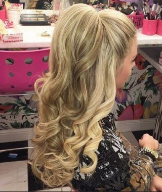 Big And Bouncy Half Ponytail Hairstyles