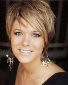 Short Hairstyles For Over 40 Year Old Woman