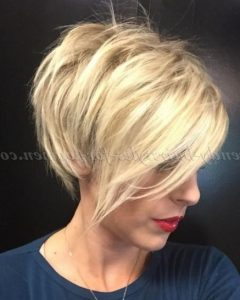 Short Ruffled Hairstyles With Blonde Highlights